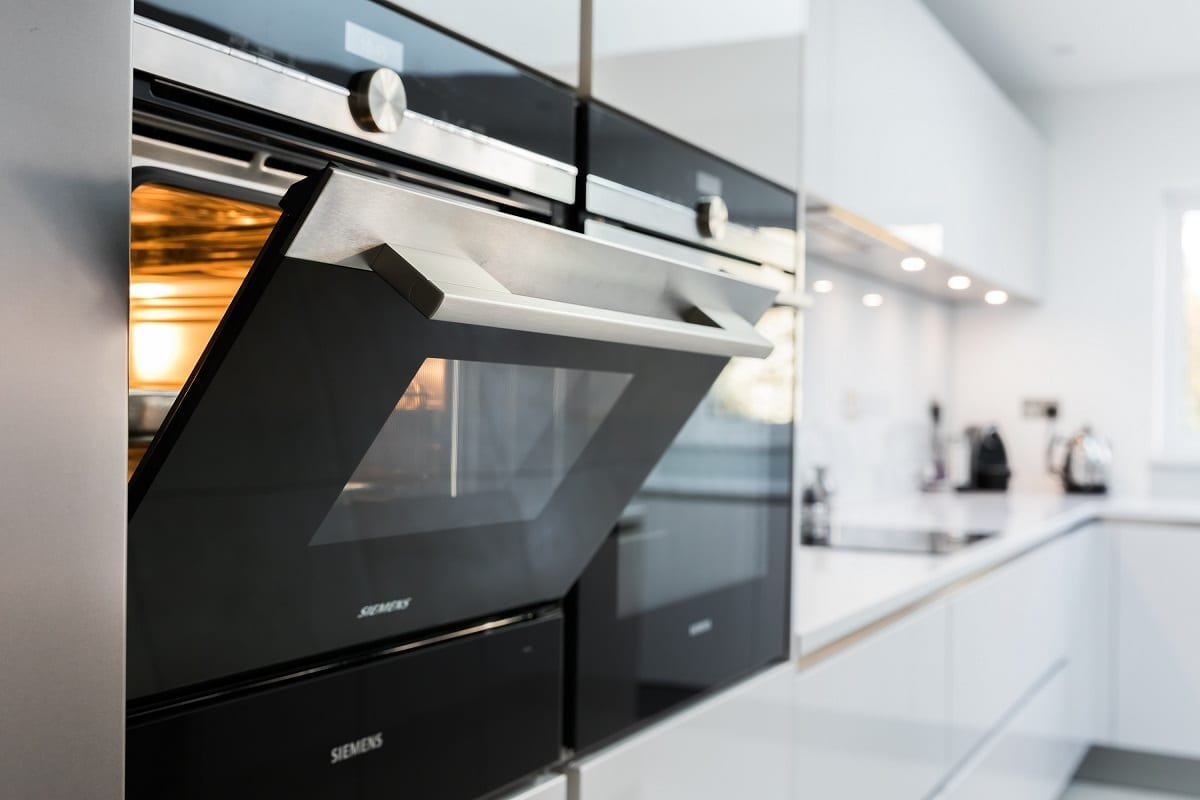 Siemens IQ700 oven and compact steam oven - Hanson Electrical Kitchens, Hull